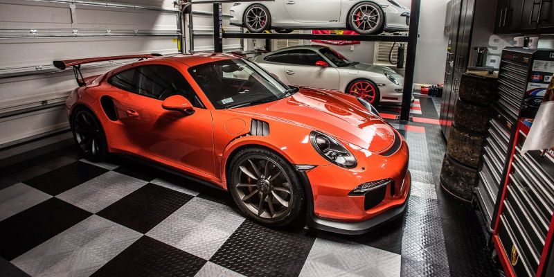 RaceDeck Diamond Garage Flooring Tiles