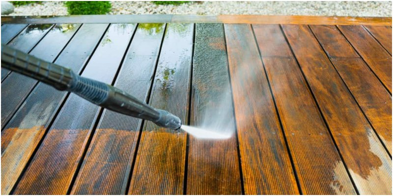 Clean Mold and Mildew Decking
