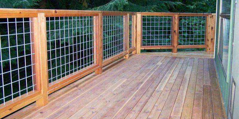 Hog Wire Deck Railing